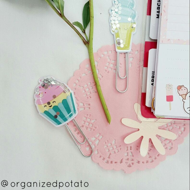 the CUTEST shaker clips ever! #shaker #shakers #shakerclip #shakerclips #paperclips #icecream #cupcake #cupcakes #pastel #kawaii #cute #confetti #glitter #silver #planner #happyplanner #eclp #erincondren #kikkik #websterspages #travelersnotebook #TN #filofax #girly #pink #blue