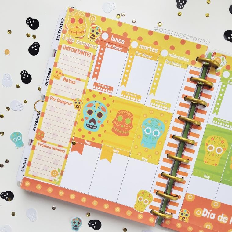 Dia de los Muertos Spread in my Classic Happy Planner #planner #happyplanner #diadelosmuertos #dayofthedead #printable #plannerprintable #plannerstickers #plannerDIY #DIYplannerideas #plannerideas #filofax #bujo #travelersnotebook #foxyfix #websterspages #erincondren