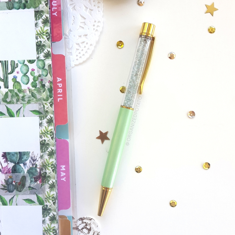 Light Green Diamond Pen photo by @organizedpotato - #pen #diamonds #mintgreen #pengems #washi #washitape #plants #leaves #cactus #cacti #succulent #succulents